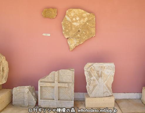 ティノスのポセイドンとアンピトリテー聖域からの出土品_c0010496_01194891.jpg