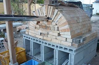 石窯を作りました。_c0178008_21265545.jpg