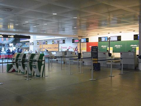 ヴェネツィアの空港_b0326809_1628149.jpg