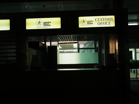 ヴェネツィアの空港_b0326809_16285719.jpg