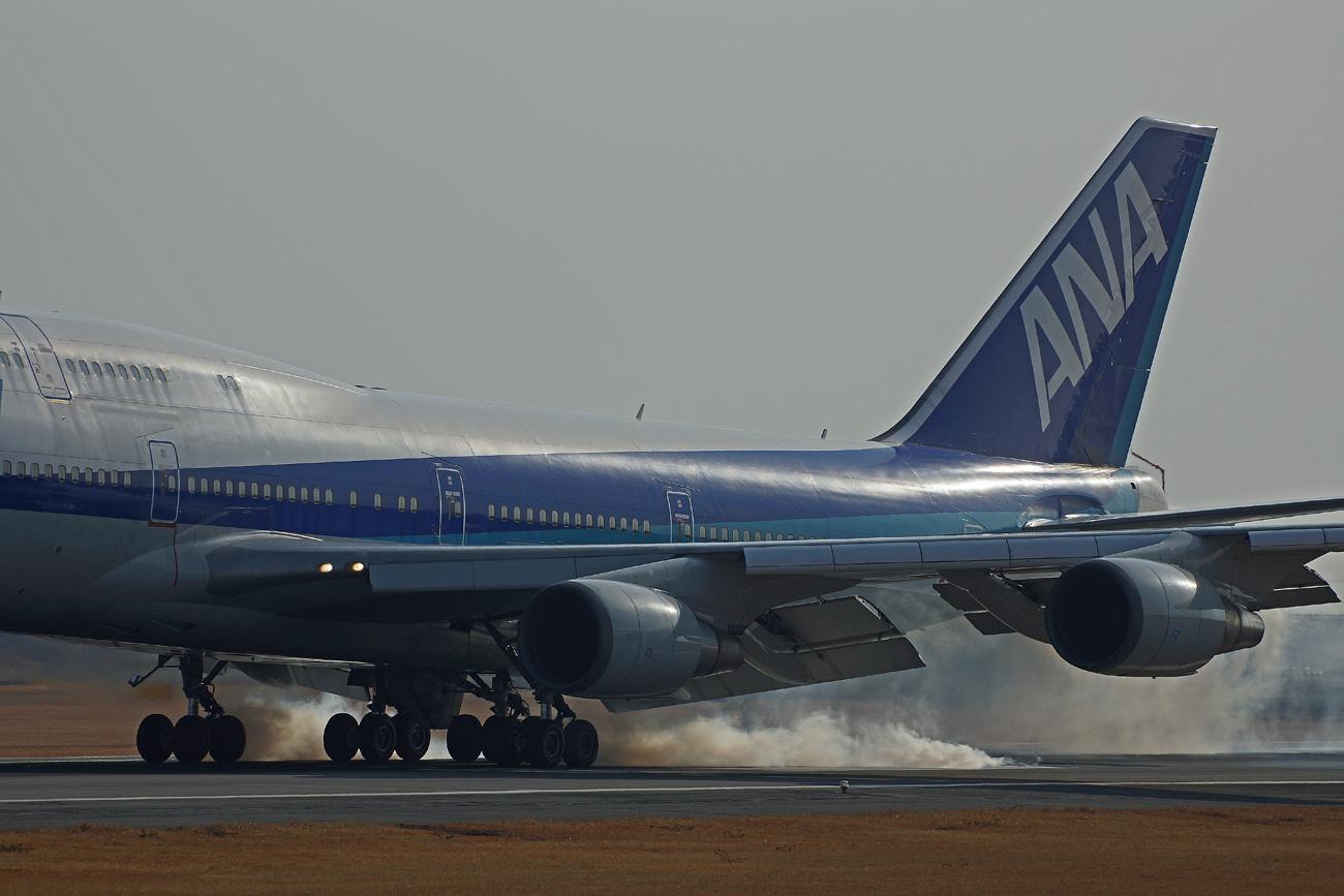 B-747(ジャンボ機)タイヤ。_b0044115_843252.jpg