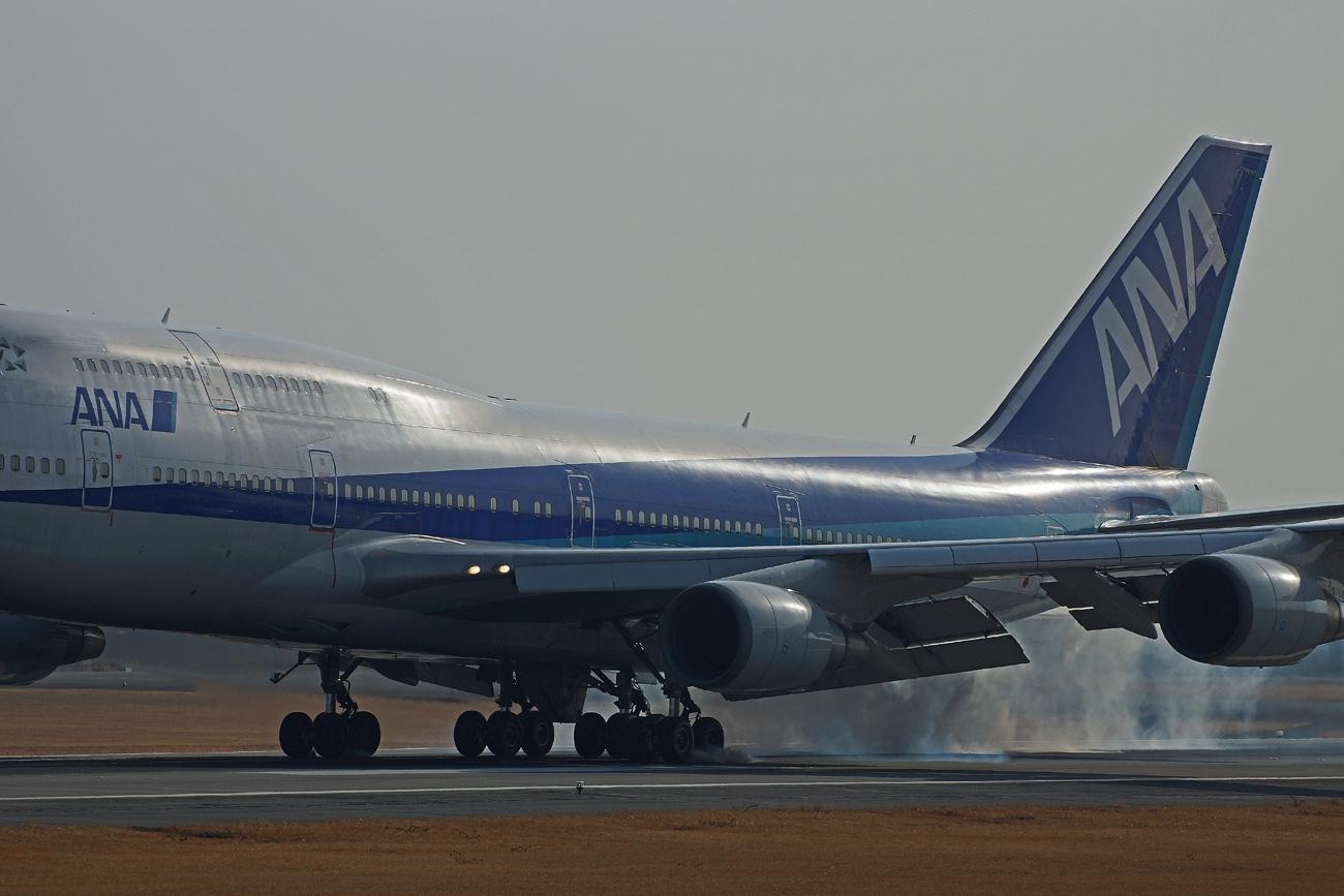 B-747(ジャンボ機)タイヤ。_b0044115_843353.jpg