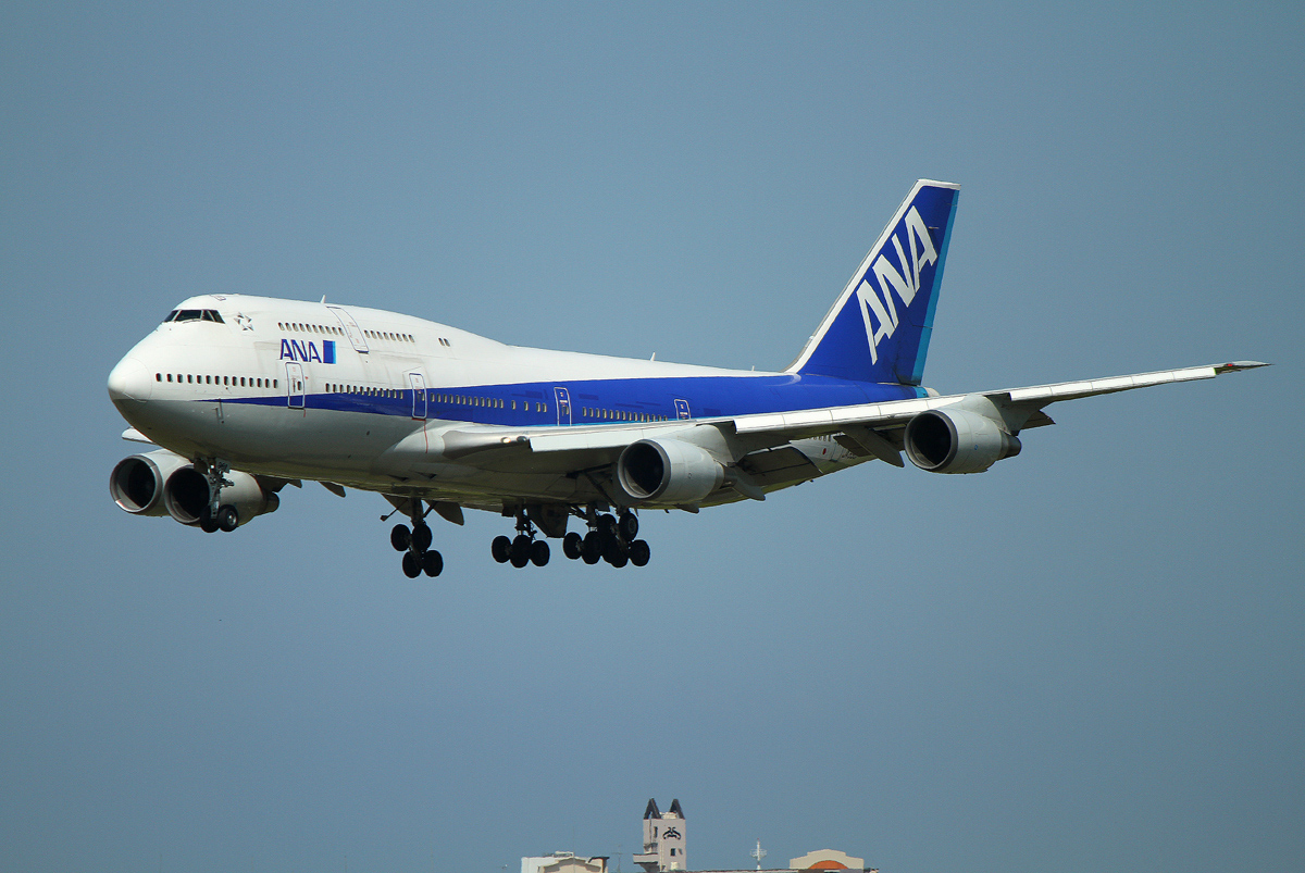 B-747(ジャンボ機)タイヤ。_b0044115_8434639.jpg
