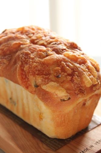 パン教室で「豆乳ふんわりパン」と「野菜のミニ食パン」!_a0165538_9155650.jpg