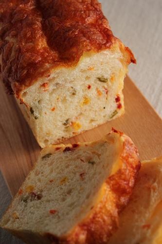 パン教室で「豆乳ふんわりパン」と「野菜のミニ食パン」!_a0165538_920574.jpg