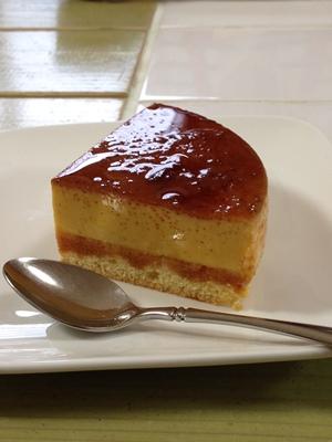 パン教室で「豆乳ふんわりパン」と「野菜のミニ食パン」!_a0165538_9322617.jpg