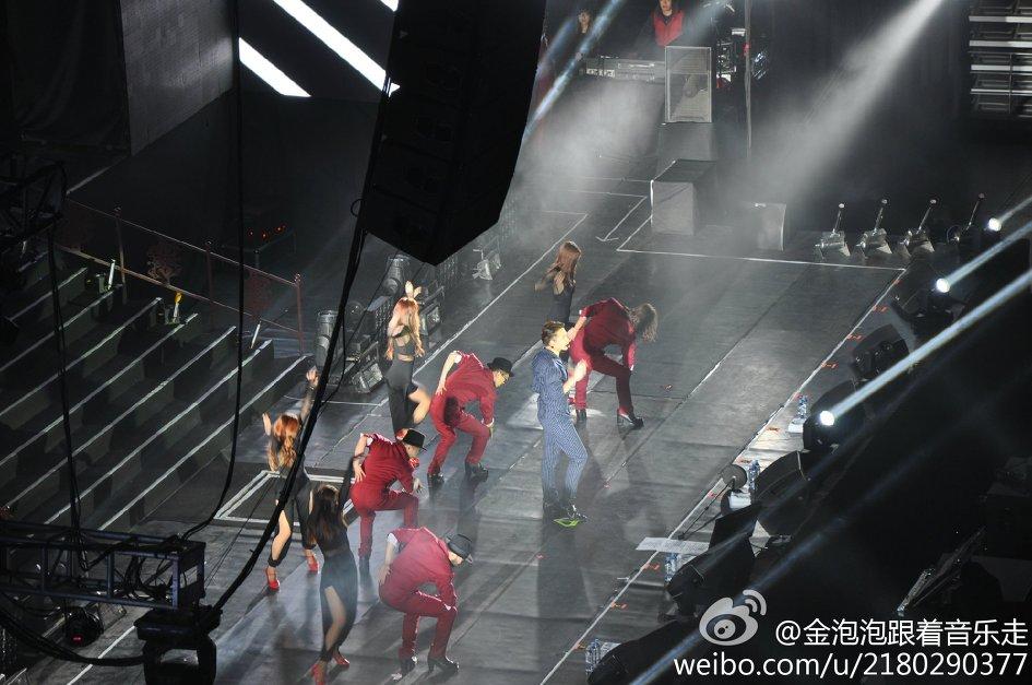 RAIN EFFECT SHOW IN BEIJING 北京_c0047605_1223107.jpg