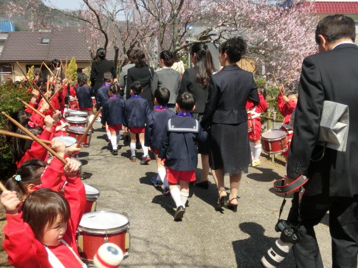 平成25年度楽生保育園寿光幼稚園卒園式 みんな生まれてくれてありがとう_b0188106_00491035.jpg