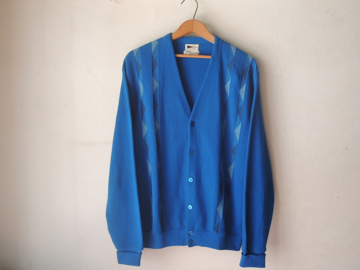 OLD CARDIGAN--RECOMMEND--_c0176867_13501669.jpg