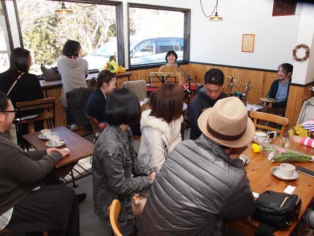 りりぃ。Live in Sunny Side Kitchen _c0112672_11195437.jpg