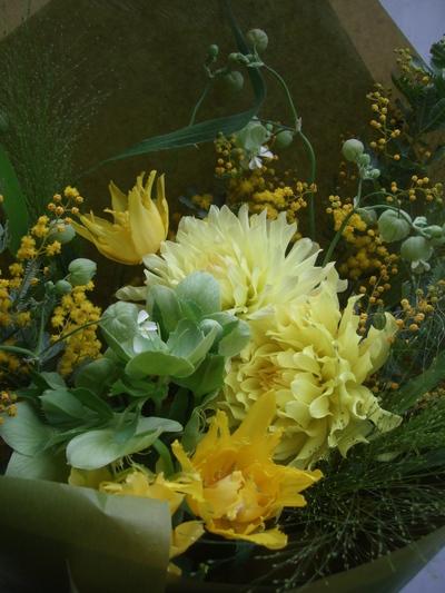 オークリーフ(レモン色のダリアの花束)_f0049672_1738817.jpg