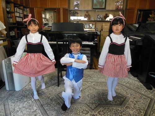 「カリンカ」3回目練習_e0040673_1133147.jpg