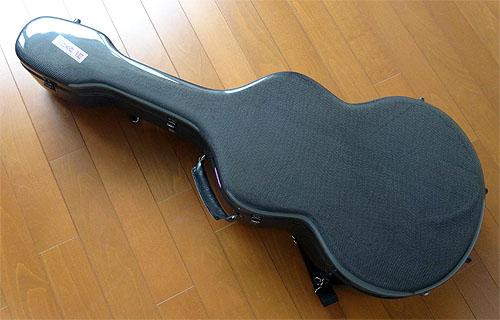 グランドオープリーのカーボン・ファイバー製ギターケース_c0137404_15245850.jpg