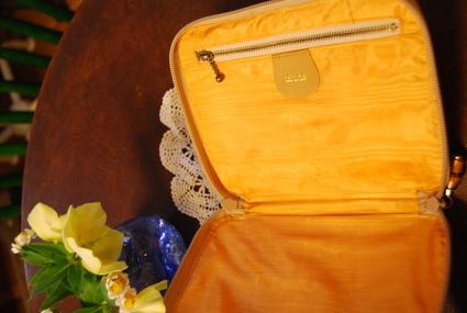 グッチのbagを通帳ケースにリメイクしました!!_d0127925_19571823.jpg