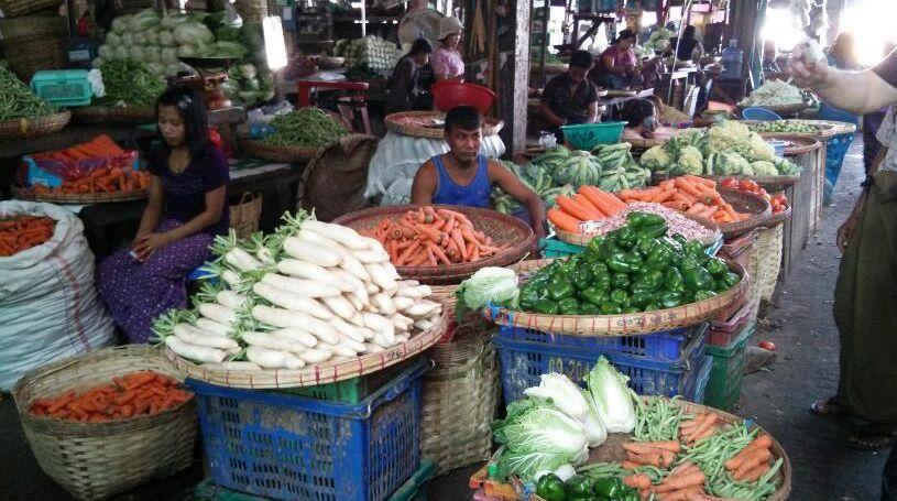 ヤンゴンにて_f0081443_1810440.jpg