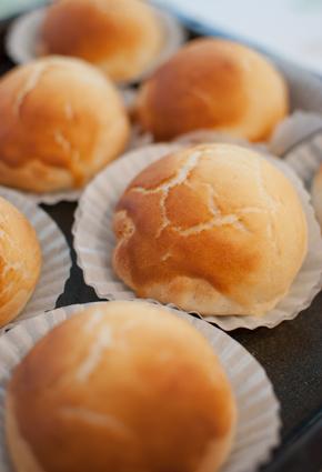 パン教室:タイガーロール&黒豆の折込パン_a0175348_18402151.jpg