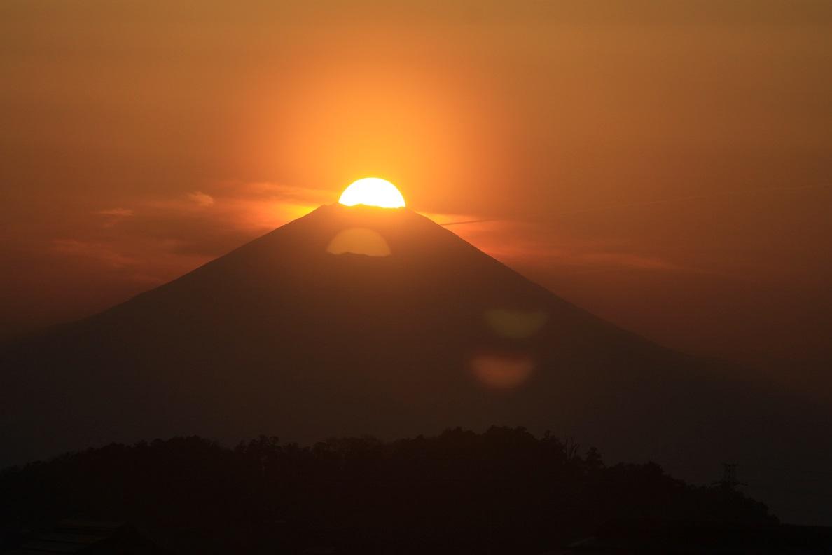 田中先輩が六国見山の自宅からダイヤモンド富士を撮影!_c0014967_1856829.jpg