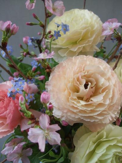 オークリーフ(桜とラナンキュラスのアレンジメント)_f0049672_11235767.jpg