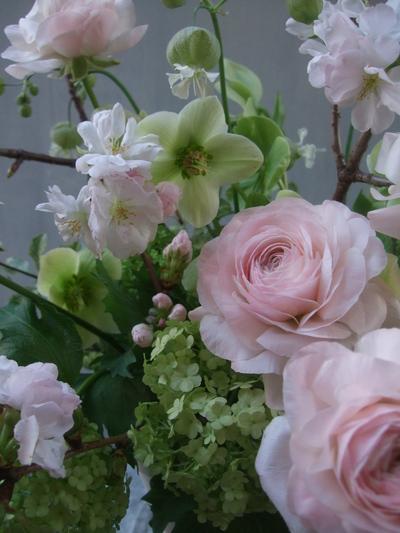 オークリーフ(桜とラナンキュラスのアレンジメント)_f0049672_1125214.jpg