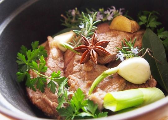 牛肉の香草煮_e0148373_13414709.jpg