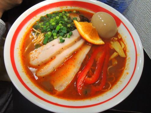 自家製麺 SHIN(新)@反町_c0146875_2343127.jpg