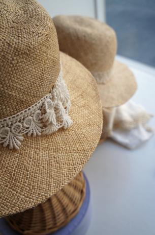 straw hats!_b0195783_09313638.jpg