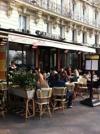 パリで友人と再会 & エッフェル塔でランチ♪_f0141419_09430574.jpg