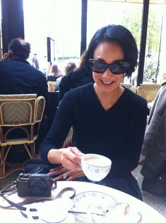 パリで友人と再会 & エッフェル塔でランチ♪_f0141419_09432275.jpg
