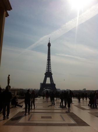 パリで友人と再会 & エッフェル塔でランチ♪_f0141419_09434834.jpg