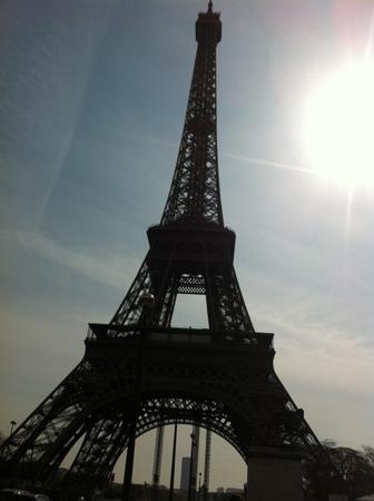パリで友人と再会 & エッフェル塔でランチ♪_f0141419_09440292.jpg
