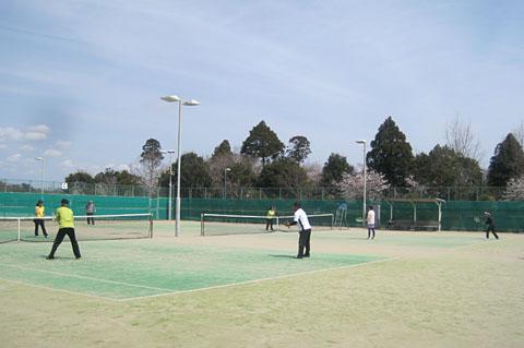 火曜~木曜と連続テニスやってます_a0151444_1752620.jpg