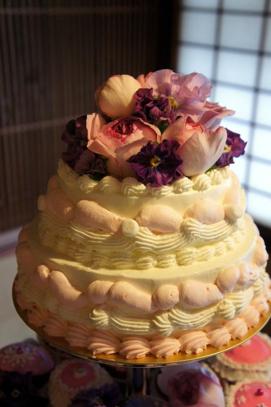 披露宴のカップケーキタワー♡_d0210450_16524373.jpg