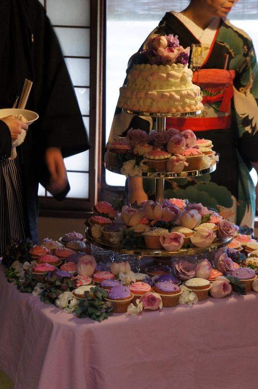 披露宴のカップケーキタワー♡_d0210450_1654756.jpg