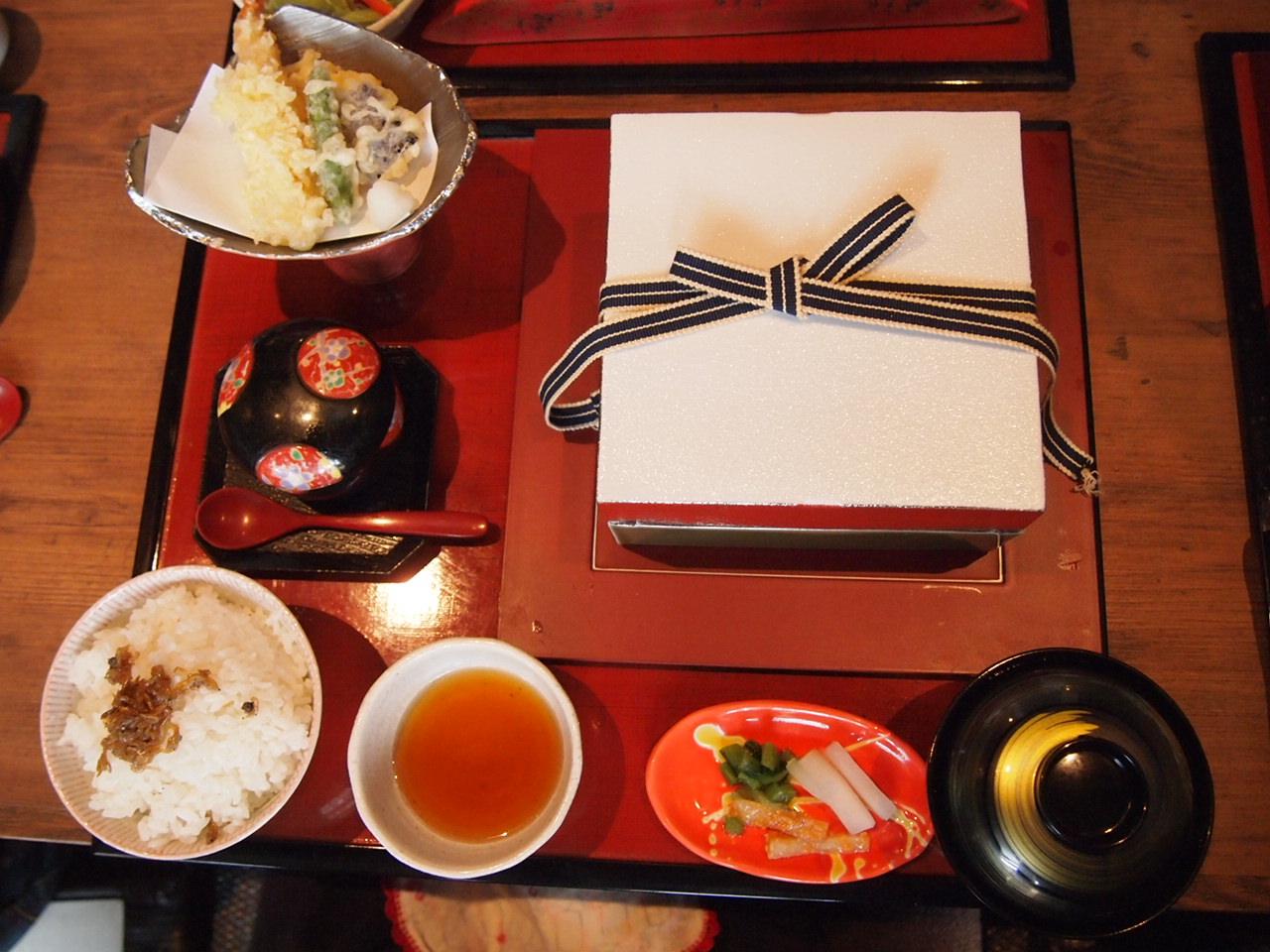 音羽茶屋 芦屋店   海鮮料理、懐石・会席料理_d0083265_22193871.jpg