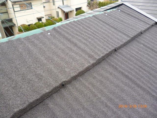 瓦の屋根を葺き替えています 2_e0207151_13342421.jpg
