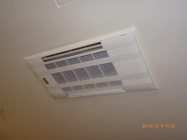 ダブルフロー式天井埋込形エアコンは良いです!_e0207151_12381499.jpg