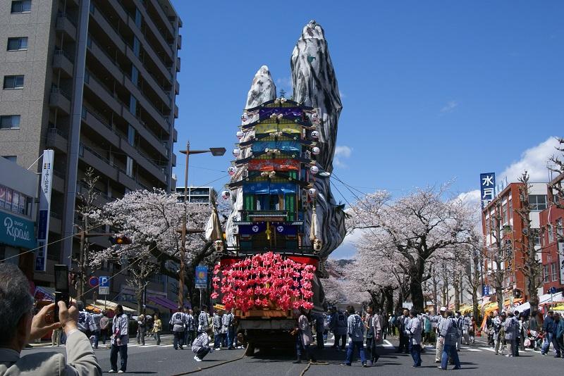 桜満開とイベントで賑わう街 日立市_b0183886_22295525.jpg