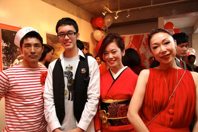 太郎さんようこさんのお祝いの茶宴へ_f0164187_1024239.jpg