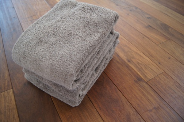 ついこないだ終了してしまった無印良品週間で滑り込みで買った物。 新居に来て以来、愛用しているその次があるバスタオルです。