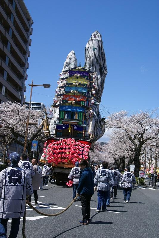 桜満開とイベントで賑わう街 日立市_b0183886_536379.jpg