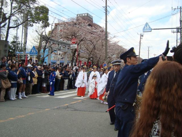 関東三大奇祭「かなまら祭り」へ行く。_f0232060_1113921.jpg