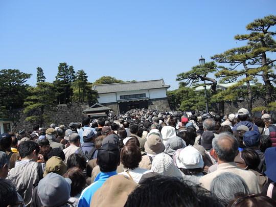 皇居通り抜け_e0232277_21353726.jpg