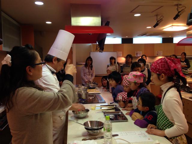 <手話通訳つき>エスコヤマ・小山シェフのお菓子教室、ご参加ありがとうございました!_a0277483_23271235.jpg