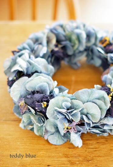 wreath blue hydrangeas  ブルーの紫陽花のリース_e0253364_22212528.jpg
