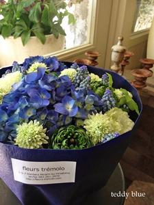 wreath blue hydrangeas  ブルーの紫陽花のリース_e0253364_1042061.jpg