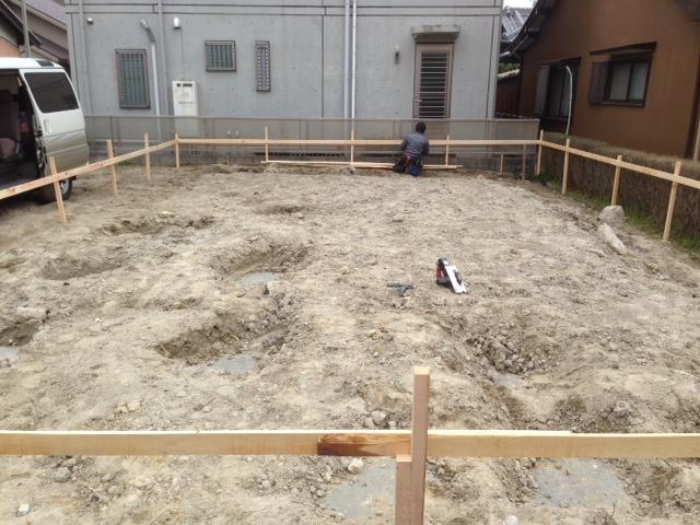 基礎工事が始まりました。_b0283089_20563953.jpg