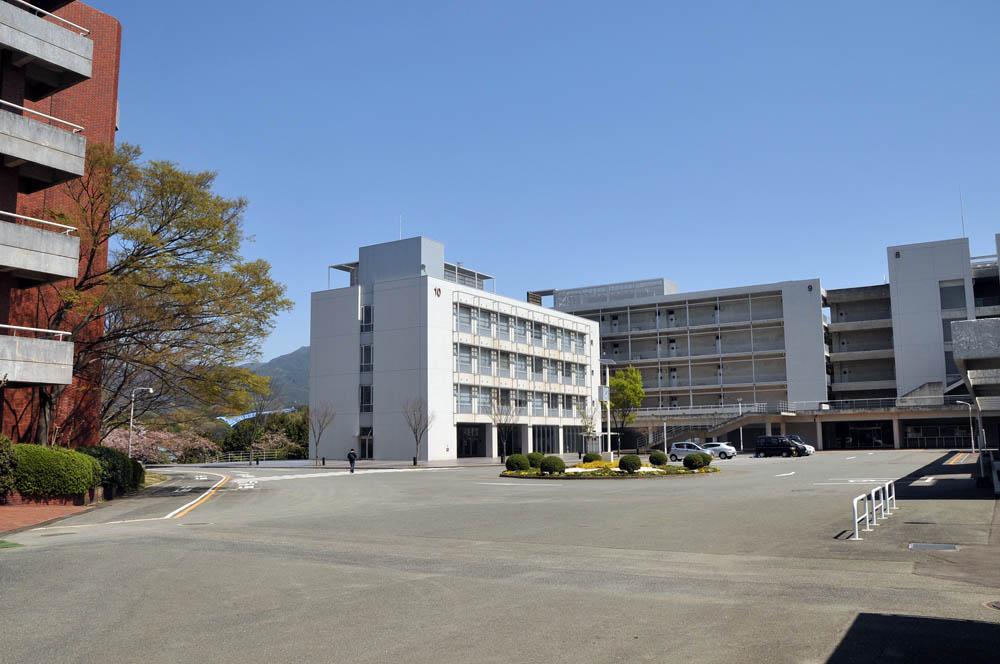 福女短・福岡国際大の桜 2014_a0042310_11502616.jpg