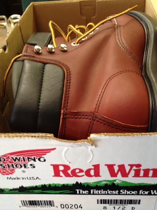 アメリカ仕入れ情報# 13 デッドストック つづき RED WING  BOOTS 204 8ハーフD_c0144020_1224069.jpg