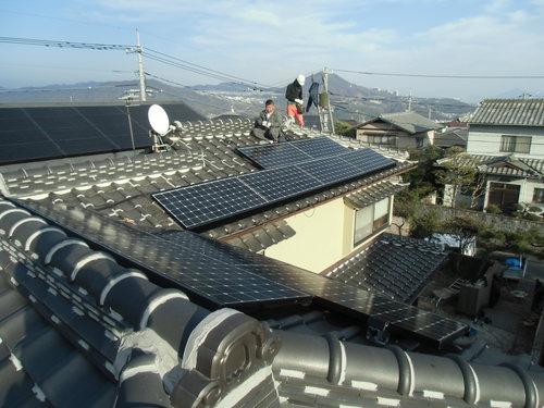F様邸(佐伯区薬師が丘)太陽光発電システム工事_d0125228_8252311.jpg