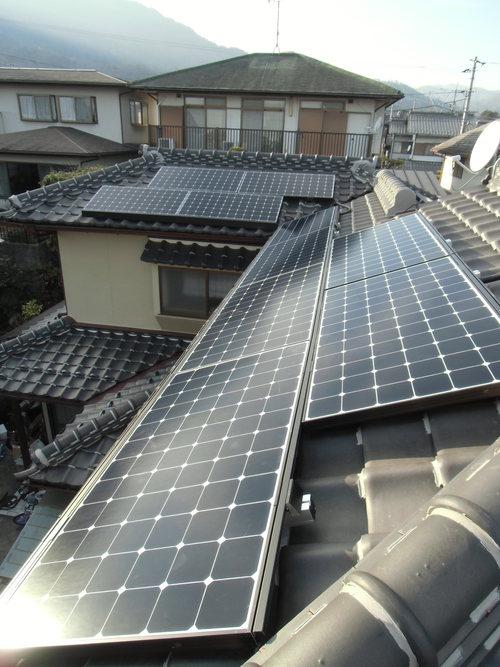 F様邸(佐伯区薬師が丘)太陽光発電システム工事_d0125228_8283449.jpg